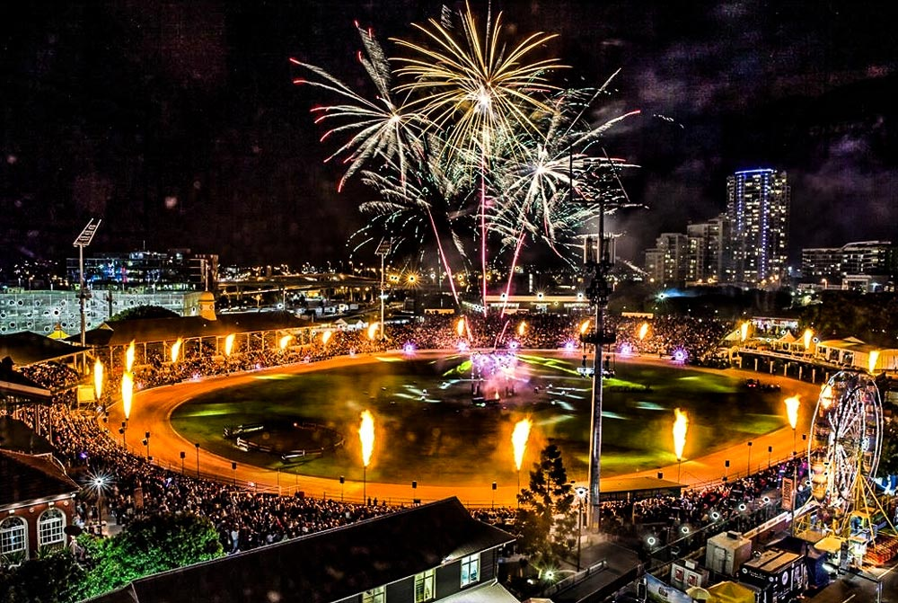 SkylighterFireworks_Brisbane_Gold_Coast_Flames-35-2